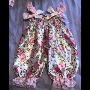 Other - Beautiful Satin Baby Girls Outfit 💖 Sz 3-6 Months